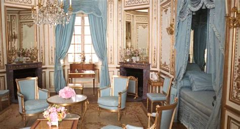 Antoinette Rooms by Gouthi 232 Re Court Gilder Glittering At