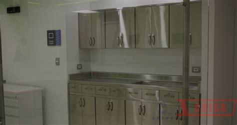 muebles para hospitales importancia del acero inoxidable en el mobiliario para