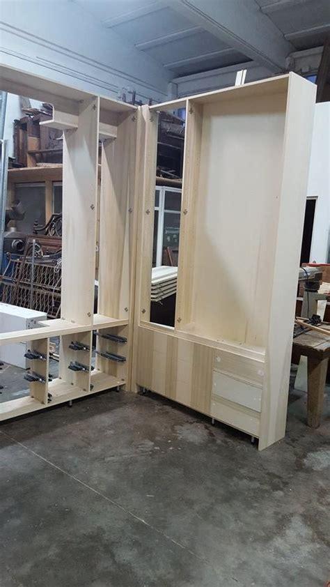 costruzione armadio legno attrezzare casa con gli armadi armadi legno legnoeoltre