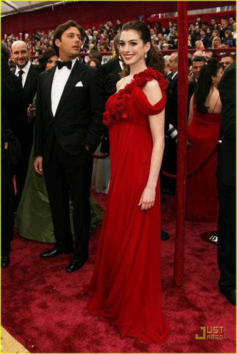 2008 Oscars Best Dressed by Hathaway Oscars 2008 Photo 952101 Hathaway