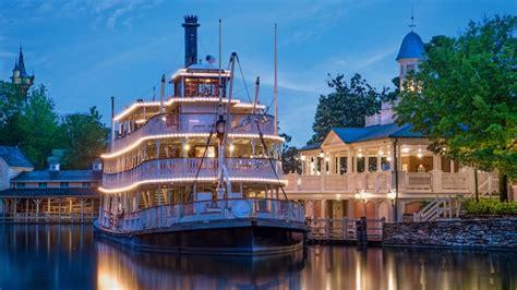 boat ride down mississippi river liberty square riverboat magic kingdom attractions