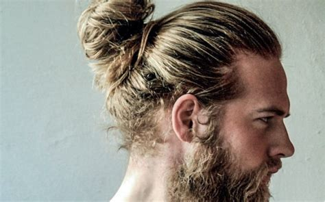 come portare i capelli ricci uomo capelli uomo lunghi ma raccolti it