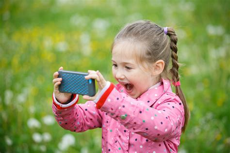 How To Take Amazing Pictures Of Kids Outside Pictures For Children