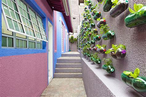 Recycled Vertical Garden Rosenbaum Creates A Sprawling Vertical Garden From