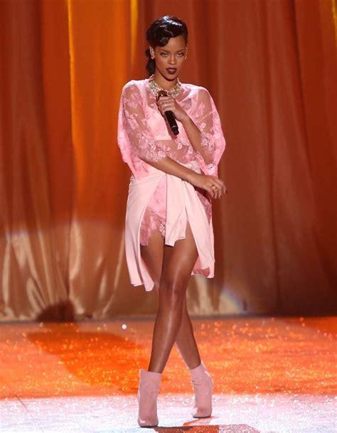 Rihhana Fashion Secrets Revealed by Synmic News Rihanna Selena And The Weeknd Are Guests