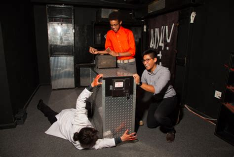 trapped in a room with a atlanta escape rooms in atlanta 102 reality escape in atlanta