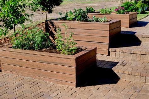 Planter Design Ideas by 15 Useful Items You Can Create Out Of Leftover Decking