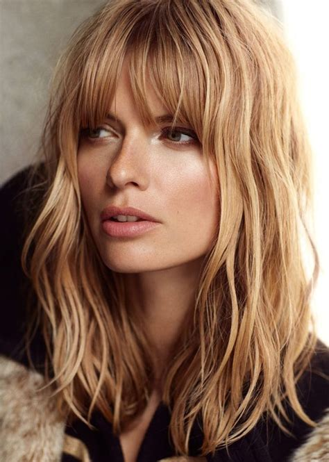 top 10 most glamorous wavy hairstyles for shoulder length top 10 most glamorous wavy hairstyles for shoulder length