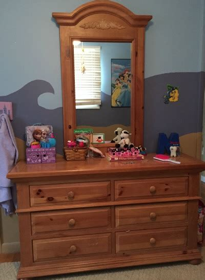 Craigslist Dresser With Mirror by Thrifty Finds A New To Dresser S Day Family Balance Sheet