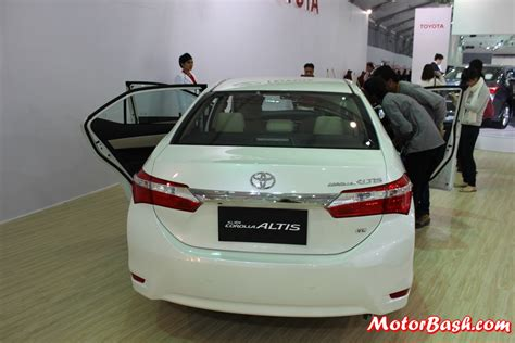 Toyota Corolla Altis White Auto Expo New Toyota Corolla Altis Interior Pics Details