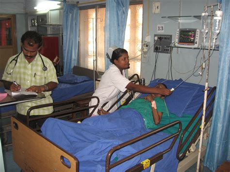 Medical Beds File Intensive Care Unit Jpg Wikimedia Commons