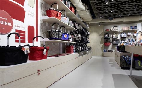 the store concept store berlin germany 187 retail design blog reisenthel concept store by zeichen wunder berlin