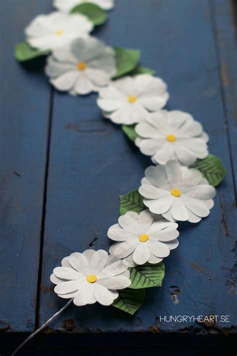 diy paper flower crown tutorial diy blomsterkrans av bullformar hungry heart