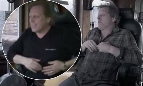 capt sig hansen responds to qa on heart attack deadliest catch s sig hansen talks heart attack in preview