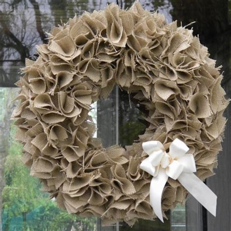 how to make a wreath with burlap how to make a swatch burlap wreath