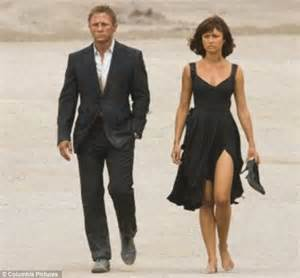 bond would make a terrible boyfriend olga kurylenko bond olga kurylenko goes for a stroll on miami