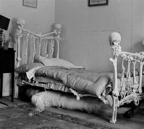 skeleton in bed 17 best images about pirate miniatures on pinterest
