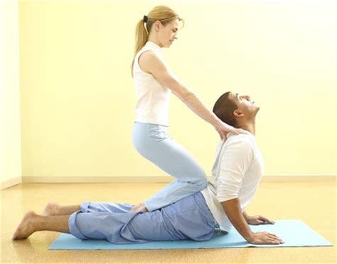 imagenes de yoga en pareja faciles yoga vida sana