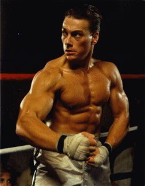 fisico perfetto maschile alimentazione fisico perfetto e muscoli marcati sport fitness e