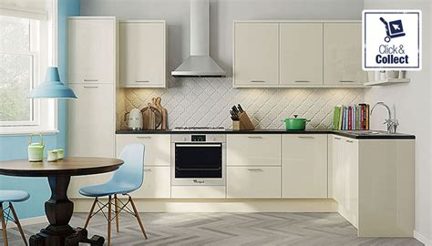 what color granite goes with cream cabinets cream kitchen units with black worktops what colour goes