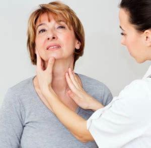morbo di hashimoto alimentazione tiroide di hashimoto cause sintomi e cura vivere al meglio