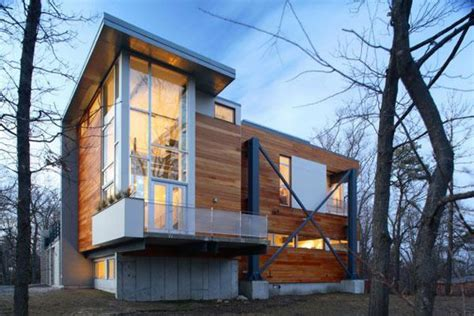 Eco friendly homes built using recycled building materials