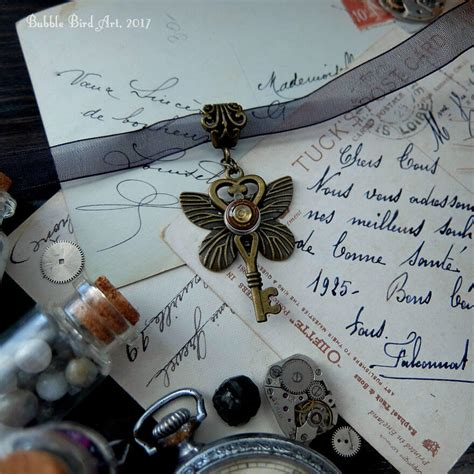 Anting Motif 5 Manik Dan Topeng Murah gadis ini mu ubah jam tangan bekas menjadi perhiasan yang memukau meramuda