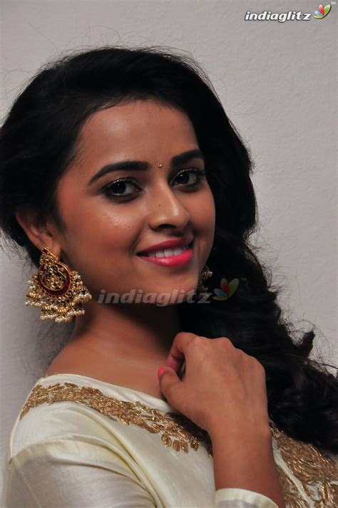 actress gallery india glitz sri divya telugu actress gallery indiaglitz telugu
