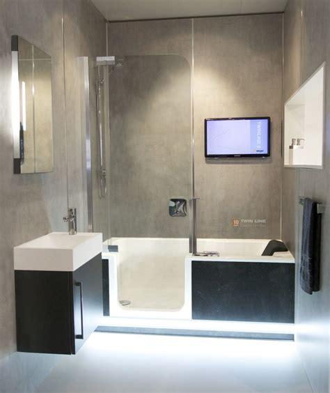 badezimmerideen kleiner raum 38 besten kleine badezimmer mit badewanne bilder auf
