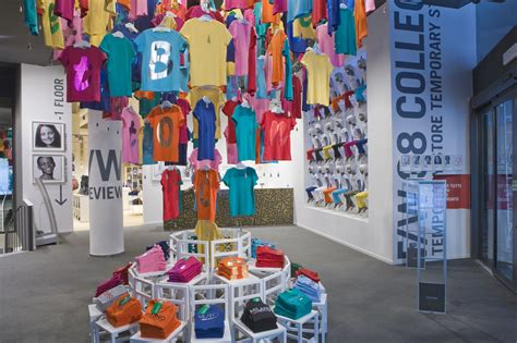 de colores store unique store color display the benetton temporary store
