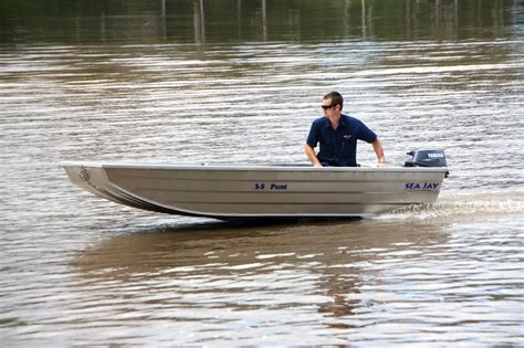 flat bottom boat hire tinny for hire freedom boat hire