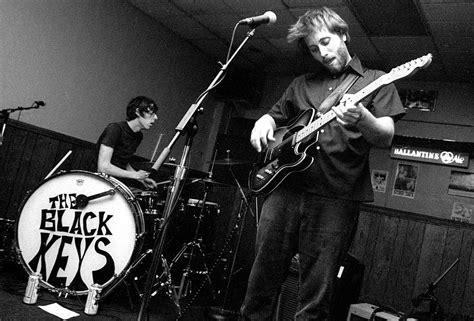 black keys do the rump by black keys rockandrolljunkie com