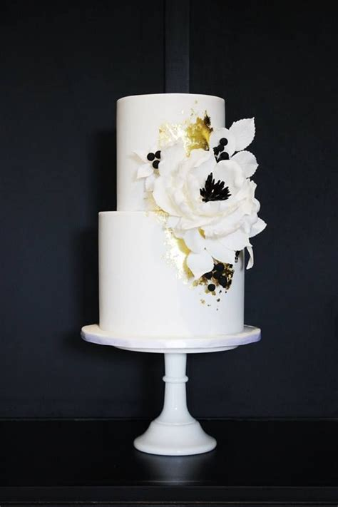 25  best ideas about Floral Wedding Cakes on Pinterest