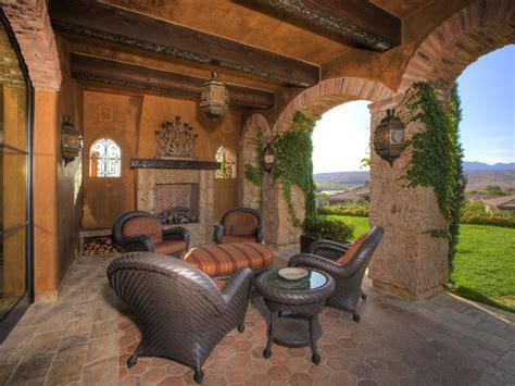 Tuscan Style Patio Furniture Furniture Reincarnated Furniture Reincarnated Tuscan Cedar Chest
