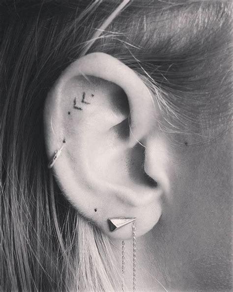 tattoo on ear 25 best ideas about ear tattoos on