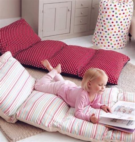 pillow bed for kids simple roll up pillow bed diy tutorial beesdiy com