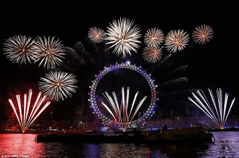 new year 2018 hong kong events top 10 new years fireworks from around the world