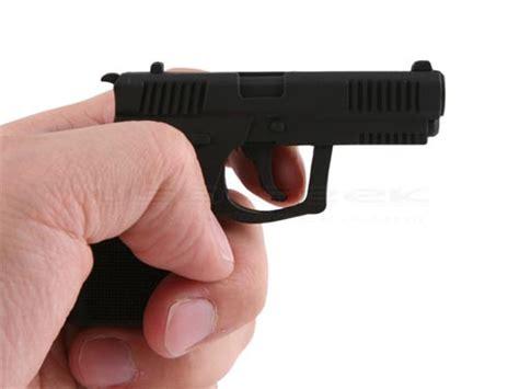 dont show  gun shaped usb flash drive  cops gadgetsin