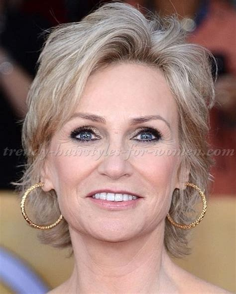 short hairstyles for women over 60 v neck 1000 images about vlasy on pinterest medium length