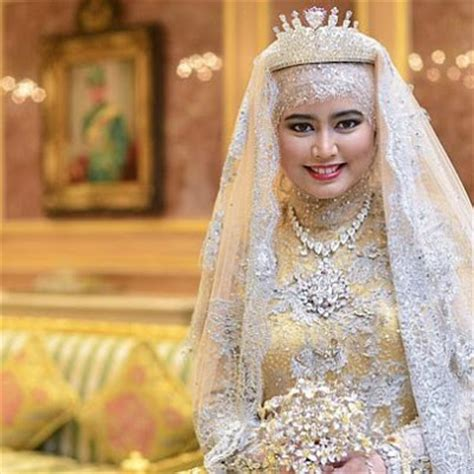 Maxi Dress Hafizah curly fries princess hafizah of brunei s sparkly wedding