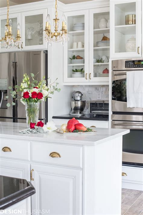 kitchen decor with country elegance