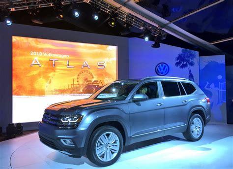 volkswagen atlas suv  official unveiling automotorblog