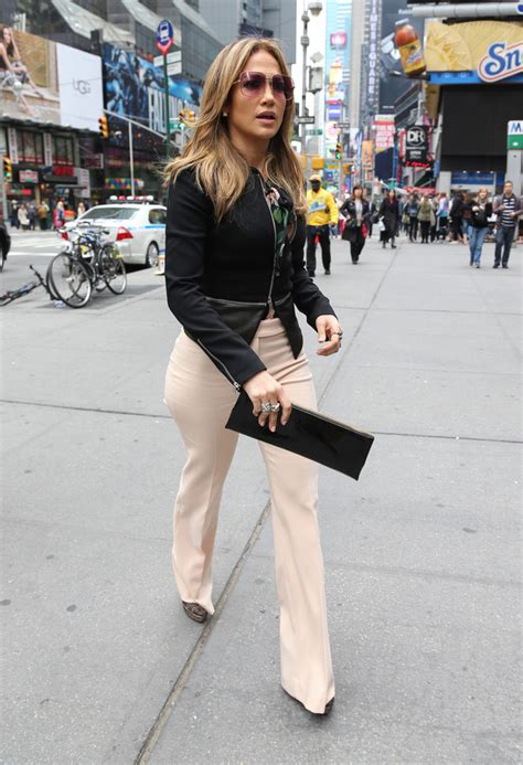 Jlo Collar Blouse get the look s new york city dolce