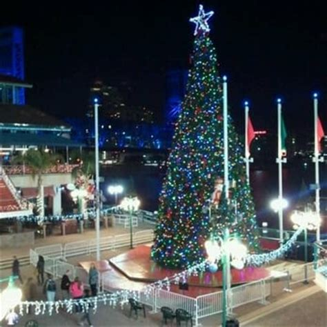the jacksonville landing came here to see the christmas