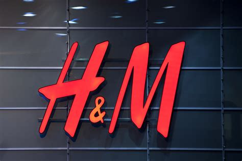 By H M h m predicts robust digital growth as store traffic