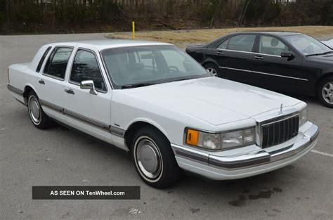 lincoln town car 1990 lincoln town car related infomation specifications