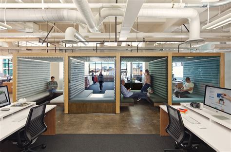 office de inside the latest office design craze hot desking