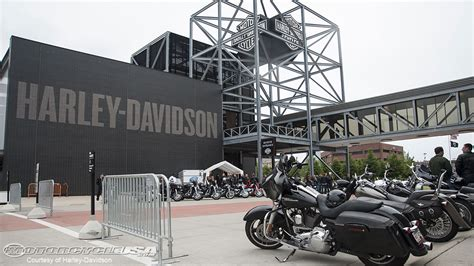 Harley Davidson Factory Tour Milwaukee by Harley Davidson Museum Factory Tour Photos Motorcycle Usa
