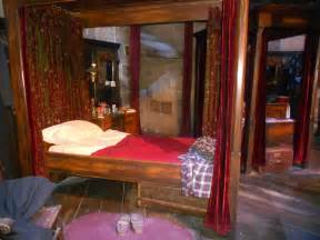 harry potter bedroom harry potters bedroom at hogwarts by darioargento111 on deviantart