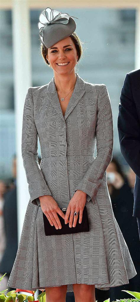 Harga Burberry Trench Coat selalu til anggun inilah harga pakaian putri kate